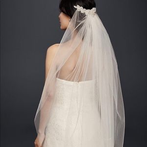 *Brand New* Mid Length Veil with Floral Comb